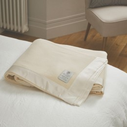 John Atkinson Pure Cashmere Blankets White Silk Or Satin Binding